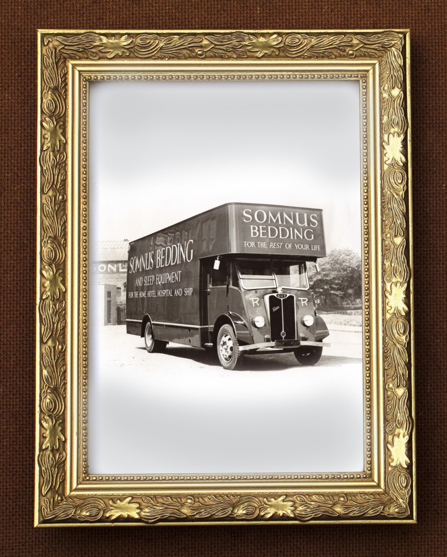 Van Picture Frame Gold H