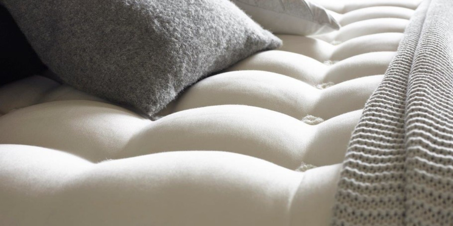 How To Clean A Mattress Remove Stains